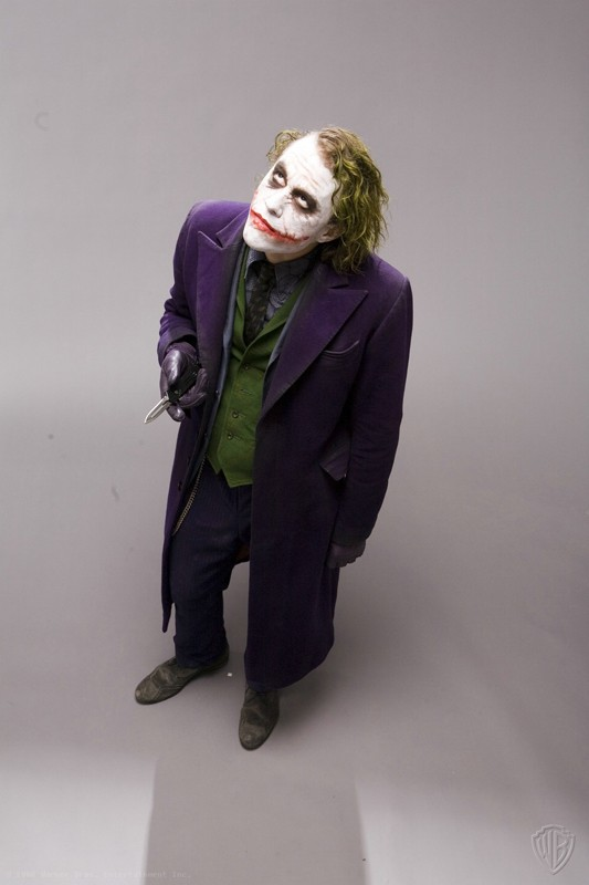 Joker (Heath Ledger) in una foto promozionale del film The Dark Knight
