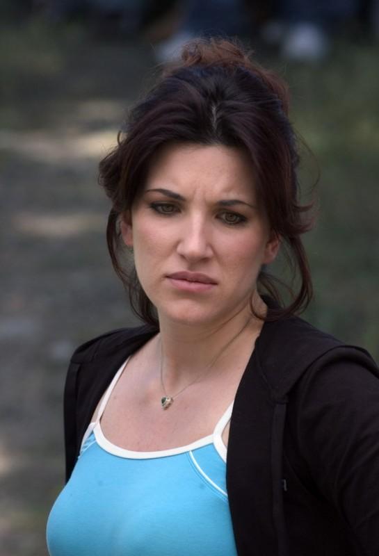 Eleonora Neri nel dramma Senza amore (2007)