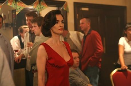 Paz Vega in una scena del dramma Triage (2009)