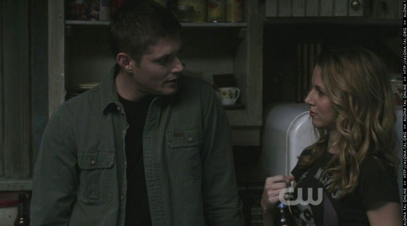 Supernatural: Alona Tal e Jensen Ackles in una scena dell'episodio Abandon All Hope...