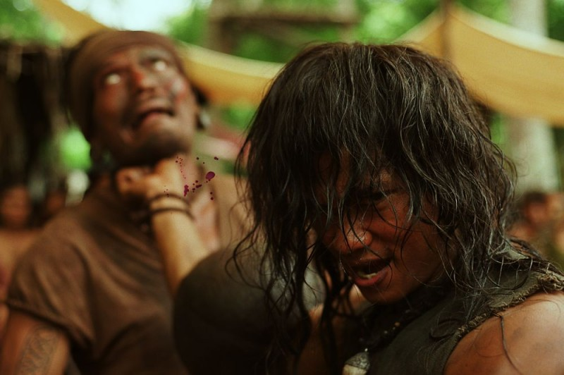 Un'immagine cruenta del film di arti marziali Ong Bak 2