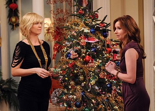 Accidentally on Purpose: Jenna Elfman e Lennon Parham nell'episodio It Happened One Christmas