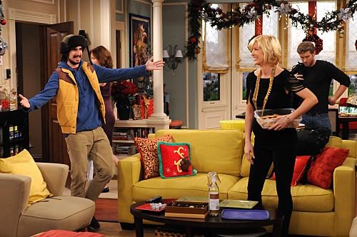 Accidentally on Purpose: Nicolas Wright, Jenna Elfman e Jon Foster nell'episodio It Happened One Christmas
