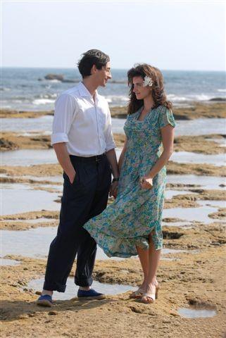 Adrien Brody con Penelope Cruz in una scena del biopic Manolete (2007)