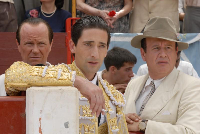 Adrien Brody è il torero Manuel Rodríguez Sánchez in una scena di Manolete (2007)