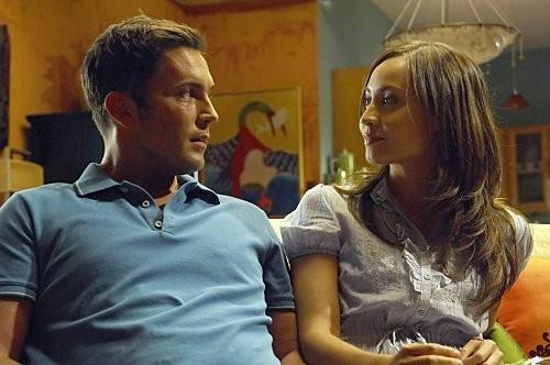 Dexter: Courtney Ford e Desmond Harrington in una scena dell'episodio Hungry Man