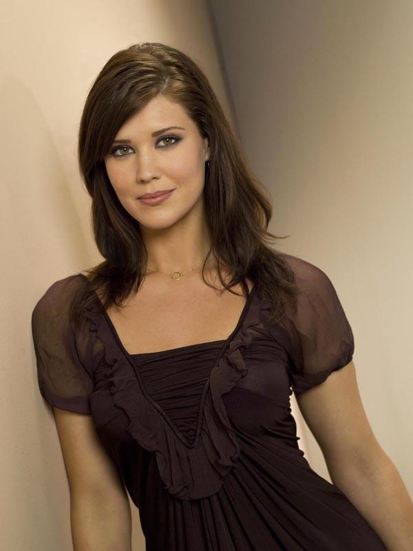 Ellie Bartowski (Sarah Lancaster) in un'immagine della stagione 2 di Chuck