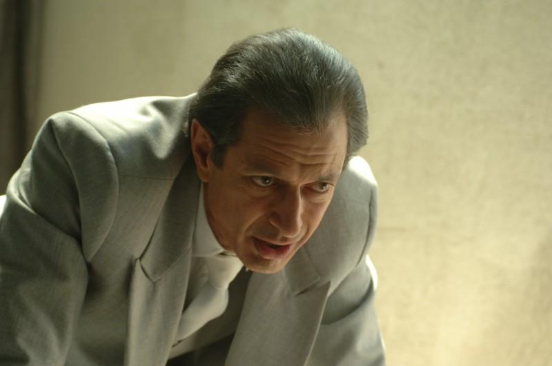 Jeff Goldblum in una scena del film Adam Resurrected, del 2008