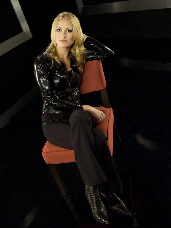 La bella Yvonne Strahovski interpreta Sarah Walker nella stagione 2 di Chuck