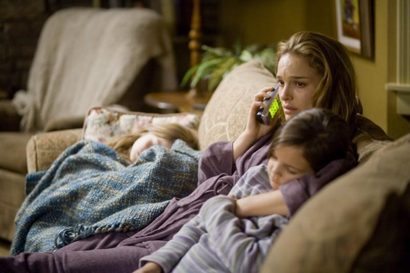 Natalie Portman e Bailee Madison in una scena di Brothers