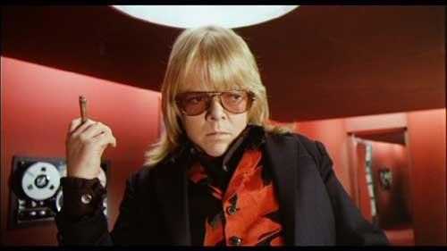 Paul Williams in una scena del thriller musicale Il fantasma del palcoscenico ( 1974 )
