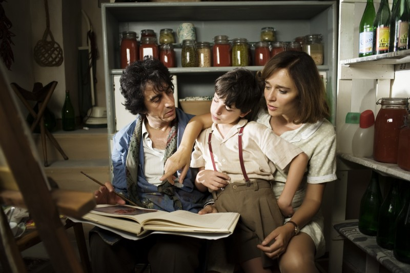 Sergio Rubini, Guido Giaquinto e Valeria Golino nel film L'uomo nero