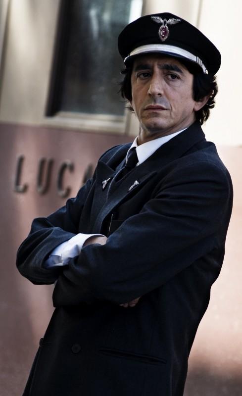 Sergio Rubini in una scena de L'uomo nero