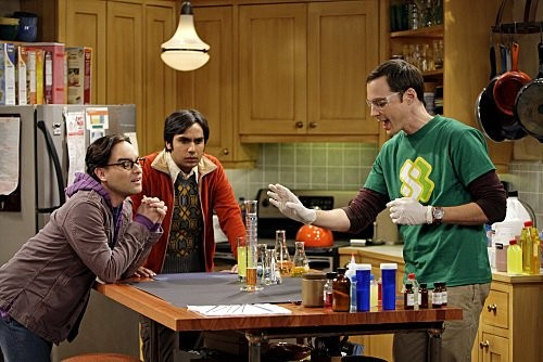 The Big Bang Theory: Johnny Galecki, Jim Parsons e Kunal Nayyar nell'episodio The Vengeance Formulation