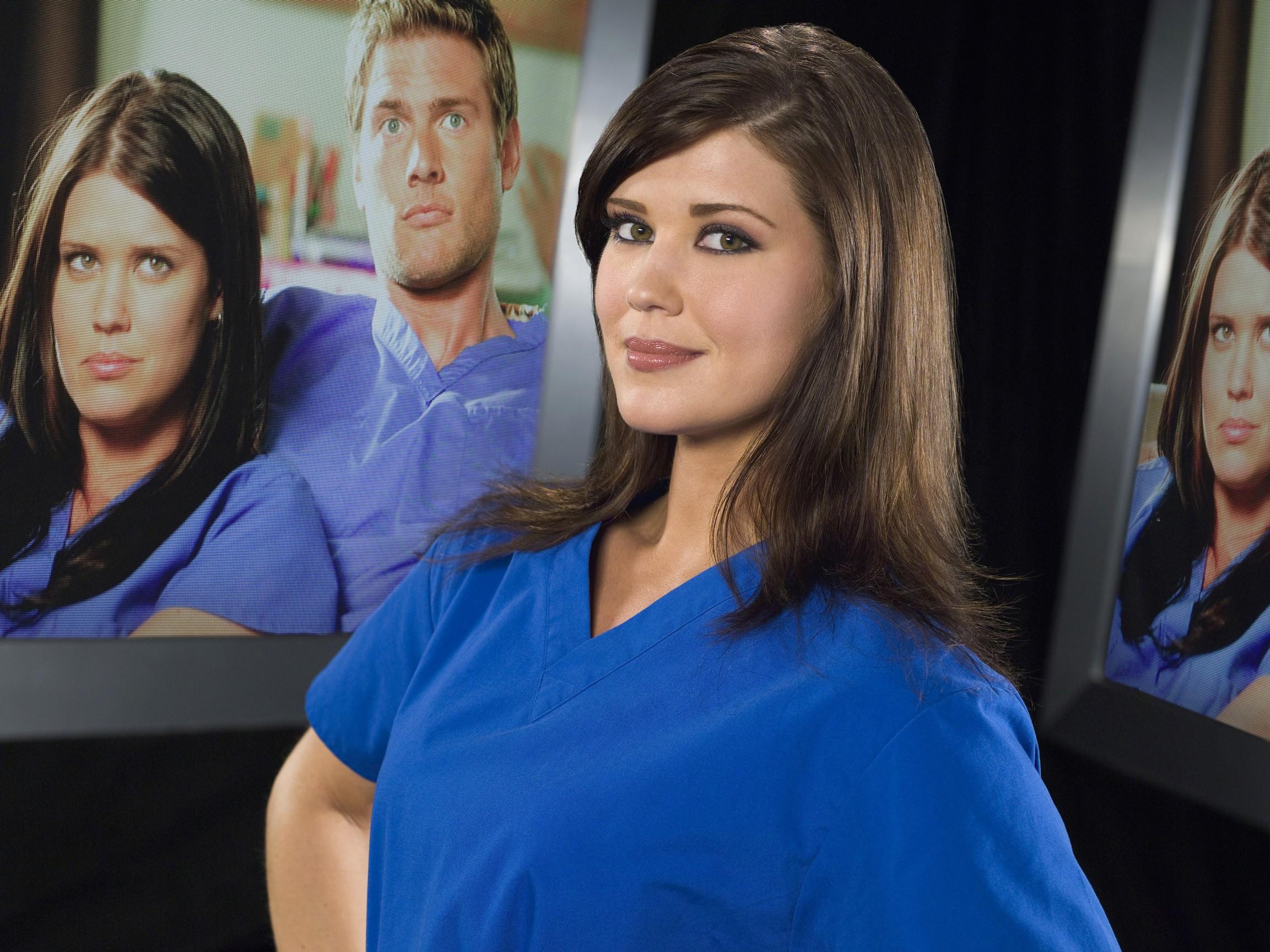 Un wallpaper di Sarah Lancaster (Ellie) per la stagione 2 di serie tv Chuck