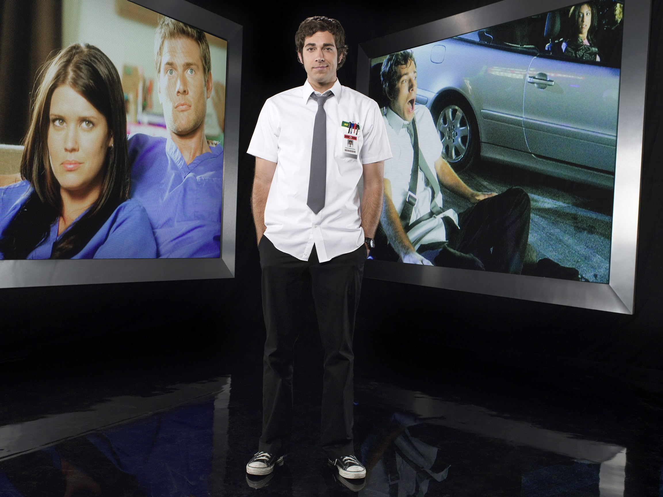 Un wallpaper di Zachary Levi per la stagione 2 di serie tv Chuck