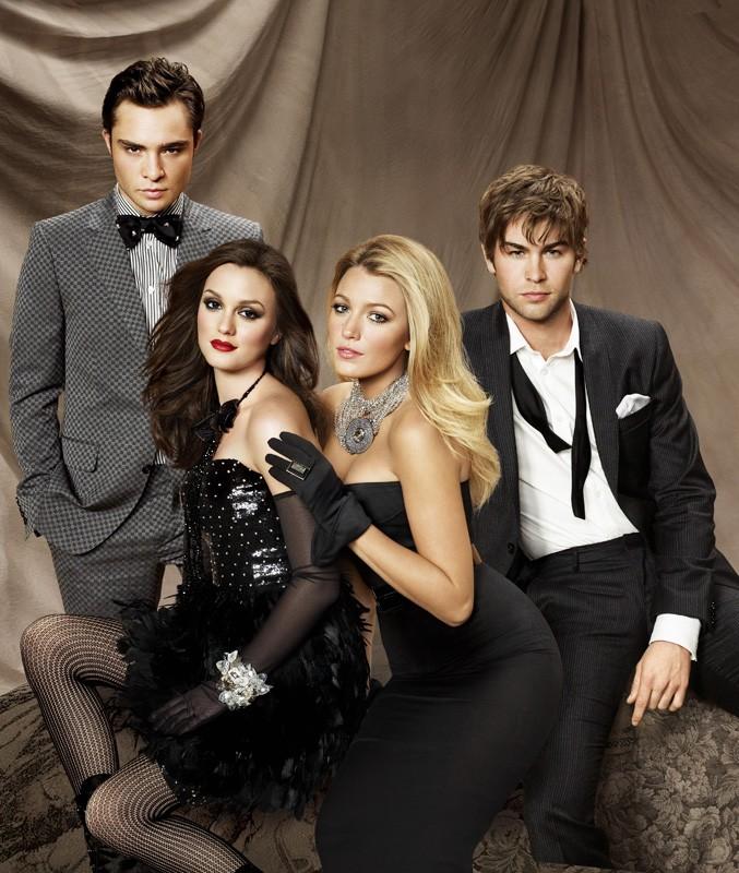 Una foto promozionale della stagione 3 di Gossip Girl con alcuni protagonisti