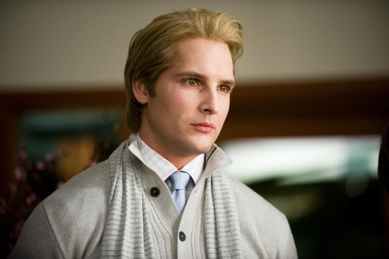 Un primo piano del vampiresco Carlisle (Peter Facinelli) nel film Twilight Saga: New Moon