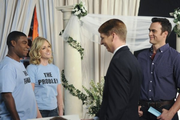 30 Rock: Jane Krakowski, Tracy Morgan, Jack McBrayer e Cheyenne Jackson nell'episodio The Problem Solvers