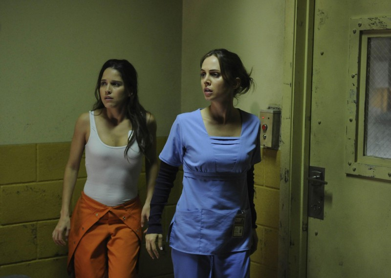 Dollhouse: Eliza Dushku ed Ana Claudia Talancon nell'episodio Meet Jane Doe