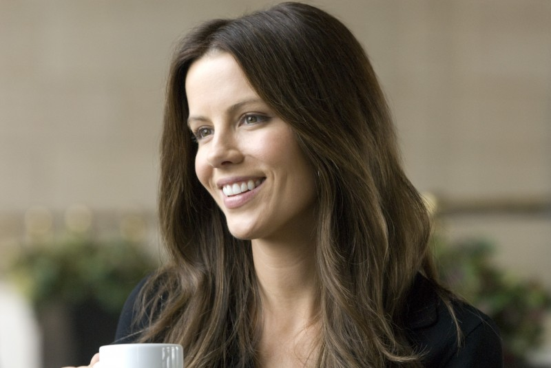 Kate Beckinsale in Everybody's fine
