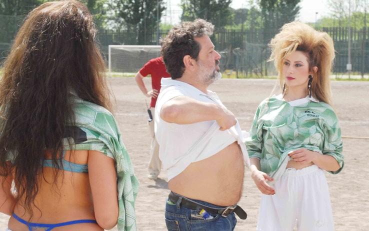 Alfredo Peyretti sul set di 'Moana' spiega una scena ad Antonella Salvucci, che interpreta Ramba