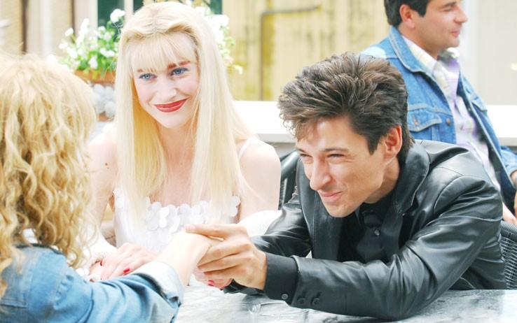 Fausto Paravidino e Giorgia Wurth sono Riccardo e Ilona in una scena della fiction Moana.