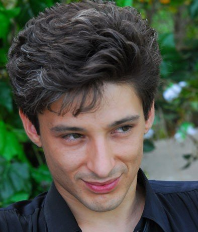 Fausto Paravidino interpreta Riccardo Schicchi, nella fiction Moana.