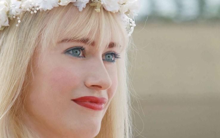 Giorgia Wurth è la star del porno Cicciolina nel film Moana.