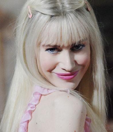 Giorgia Wurth è una maliziosa Ilona Staller nel film Moana.