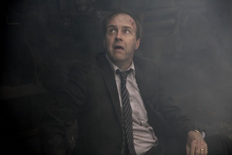 Paradox: Kevin Doyle in una scena della serie