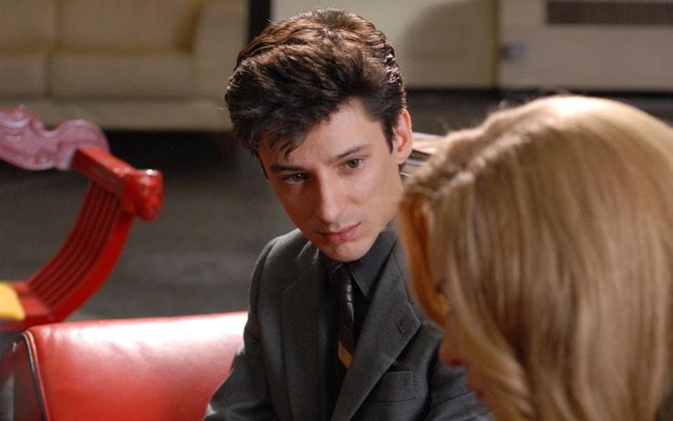 primo piano di Fausto Paravidino nei panni di Riccardo Schicchi, nel film tv Moana.