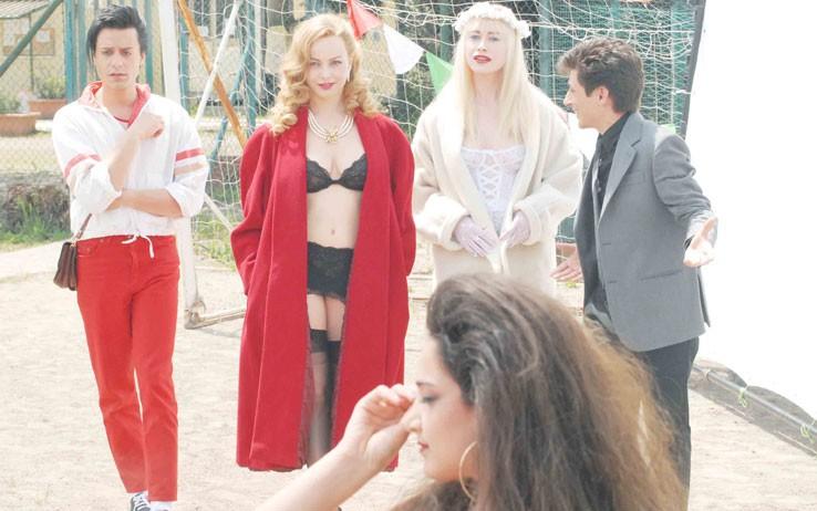 Violante Placido e Giorgia Wurth con Fausto Paravidino in una immagine di Moana.