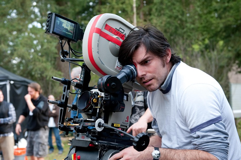Il regista Chris Weitz durante le riprese del film New Moon