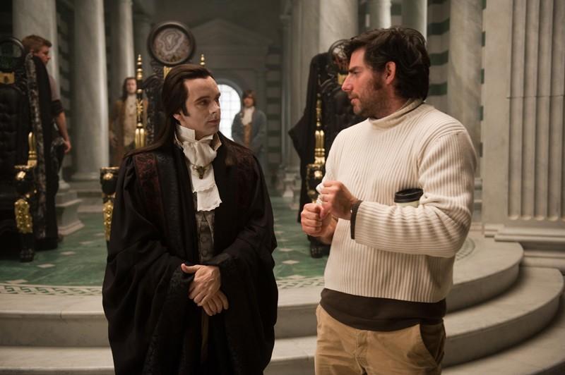 Michael Sheen e Chris Weitz sul set di Twilight: New Moon