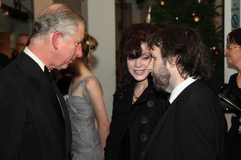Carlo, principe di Galles, Fran Walsh e Peter Jackson alla premiere di Londra di Amabili resti