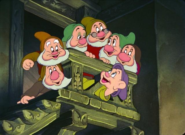 I teneri nani del film Biancaneve e i sette nani ( 1937 )