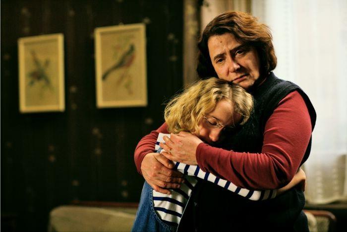 Josiane Balasko e Garance Le Guillermic in una scena del film Il riccio