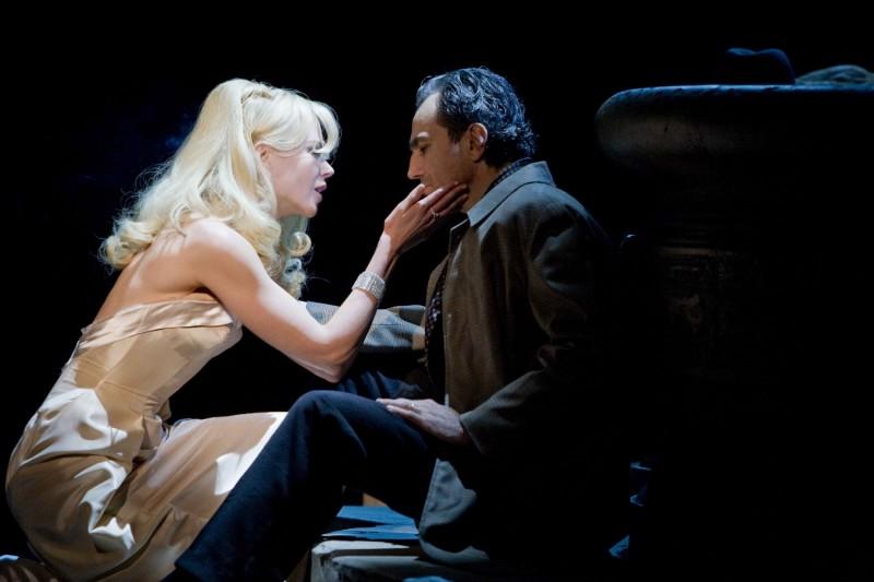 Nicole Kidman e Daniel Day-Lewis in una sequenza del musical Nine