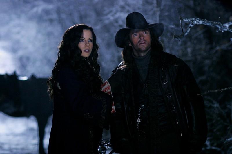 Anna (Kate Beckinsale) e Abraham V. H. (Hugh Jackman) in una scena del film Van Helsing
