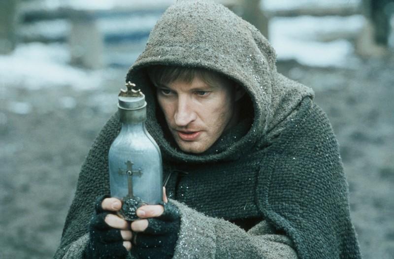 David Wenham interpreta Carl in una scena del film Van Helsing