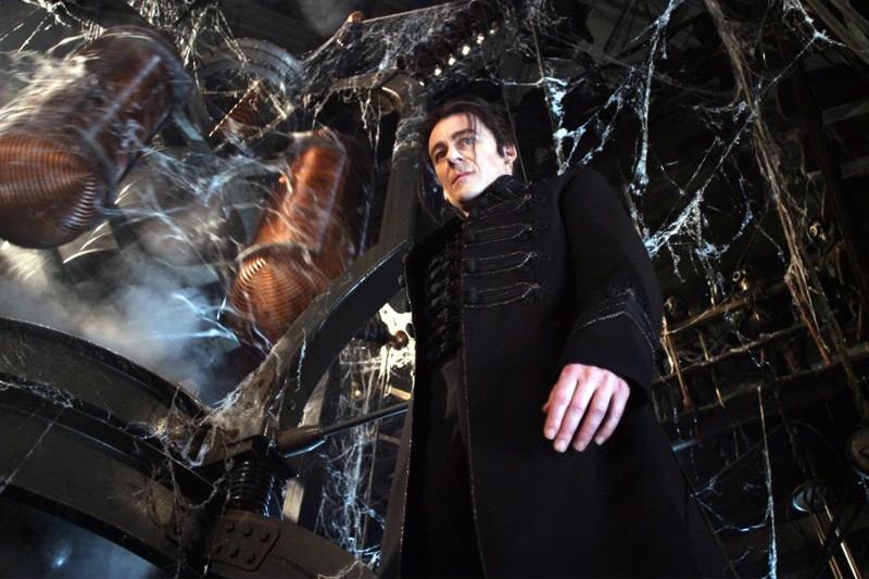 Il Conte Dracula (Richard Roxburgh) in una sequenza del film Van Helsing