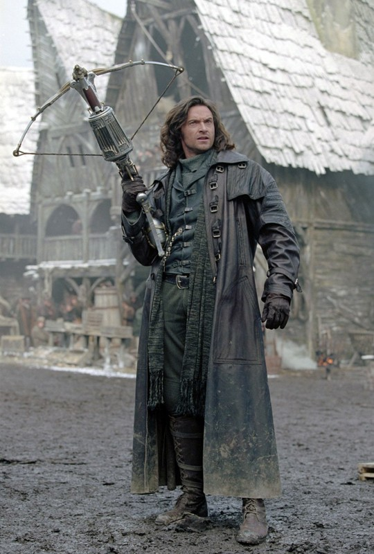 Il leggendario cacciatore di mostri Van helsing (Hugh Jackman) nell'omonimo film