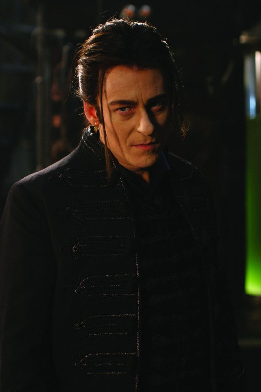 Richard Roxburgh è il Conte Dracula nel film Van Helsing