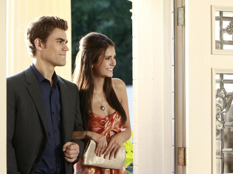 Stefan (Paul Wesley) ed Elena (Nina Dobrev) nella puntata Family Ties di The Vampire Diaries