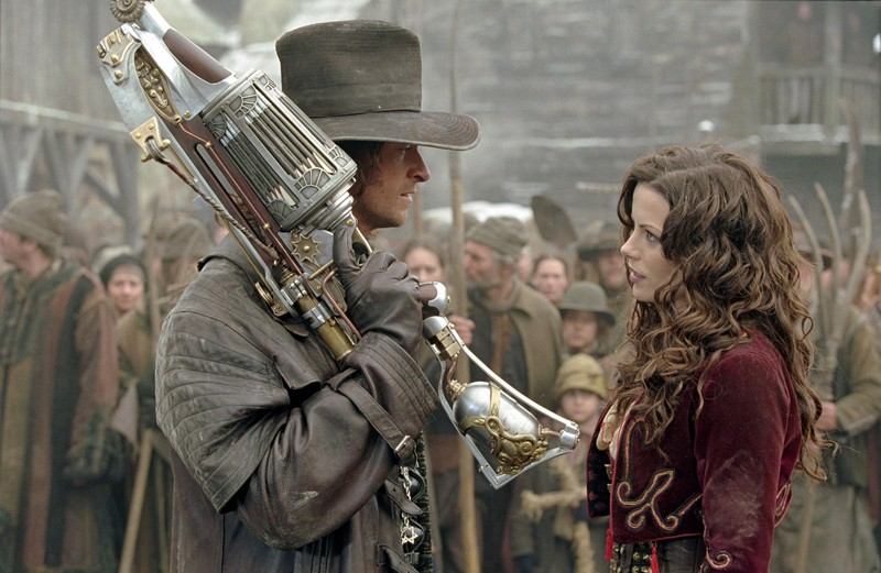 Van Helsing (Hugh Jackman) si unisce a Anna (Kate Beckinsale) per affrontare il Conte Dracula nel film Van Helsing