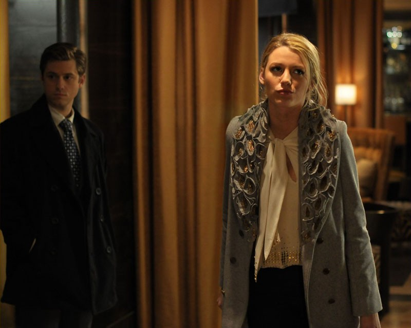 Aaron Tveit e Blake Lively in una scena dell'episodio Treasure of Serena Madre di Gossip Girl