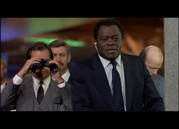 L\'Agente FBI Alonzo Mosely (Yaphet Kotto) nel film Witless Protection