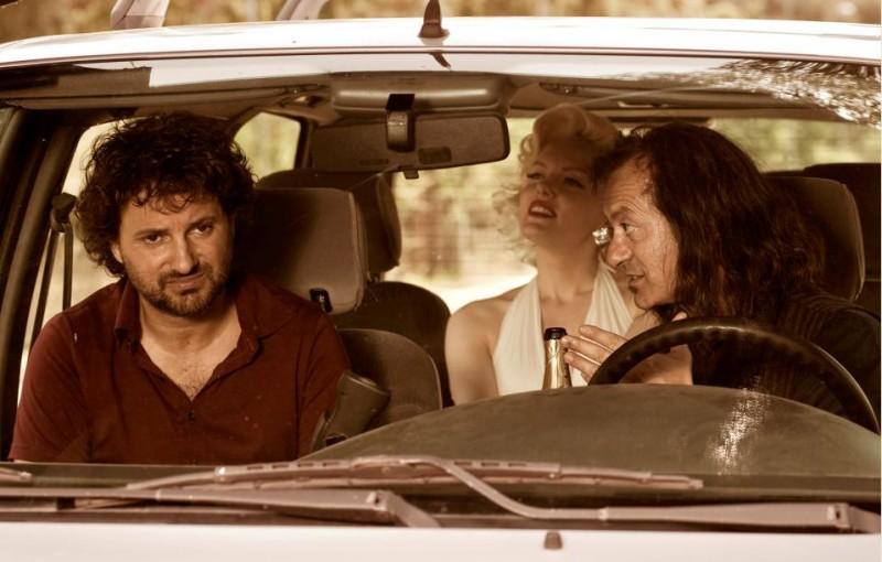 Leonardo Pieraccioni, Suzie Kennedy e Rocco Papaleo in una scena del film Io e Marilyn