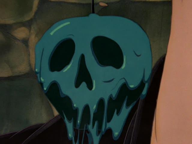 La terribile mela avvelenata del film d\'animazione Biancaneve e i sette nani ( 1937 )